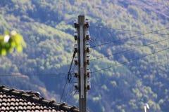 Linha eléctrica aérea Fotos de Stock