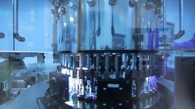 Linha farmacêutica da fabricação do controle da qualidade Linha de produção médica dos tubos de ensaio vídeos de arquivo