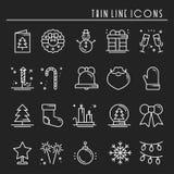 Linha fina ícones do feriado do Natal ajustados Coleção do esboço da celebração do ano novo Elementos básicos do inverno do xmas  ilustração stock