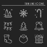 Linha fina ícones do feriado do Natal ajustados Coleção do esboço da celebração do ano novo Elementos básicos do inverno do xmas  ilustração royalty free