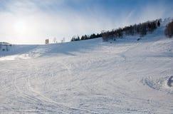 Linha fundo do esqui da montanha ninguém Foto de Stock Royalty Free