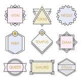 Linha geométrica bonito grupo dos emblemas e de etiquetas do vintage no branco ilustração royalty free