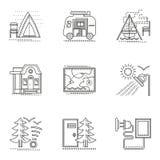 Linha lisa fina de caminhada e de acampamento ícones ajustados Imagens de Stock Royalty Free