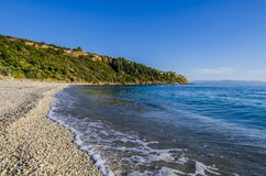 linha litoral na praia do lourdata na ilha de Kefalonia Imagens de Stock