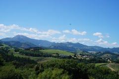 Linha litoral San Sebastian próximo, Espanha do norte fotos de stock royalty free