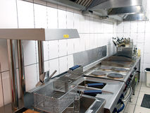 Linha profissional da cozinha em restorant. Fotografia de Stock