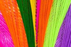 A linha santamente colorida faz crochê o teste padrão imagem de stock