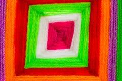 A linha santamente colorida faz crochê o teste padrão imagem de stock royalty free