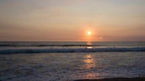 Linha tropical tempo-lapso da costa da praia vídeos de arquivo