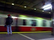 Linha vermelha trem no movimento fotografia de stock