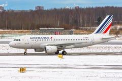 Linhas aéreas de Airbus a320 Air France, aeroporto Pulkovo, Rússia St Petersburg Janeiro 08 2018 Imagem de Stock