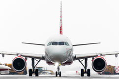 Linhas aéreas de Airbus a319 Rossiya, aeroporto Pulkovo, Rússia St Petersburg janeiro de 2017 Imagens de Stock Royalty Free