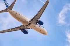 Linhas aéreas de Boeing 737-86N VQ-BIZ Yakutia imagens de stock