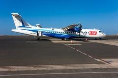 Linhas aéreas do ATR 72 Cabo Verde Fotos de Stock Royalty Free