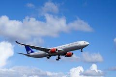 Linhas aéreas escandinavas, SAS, Airbus A330 - 343 Fotos de Stock Royalty Free
