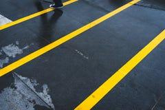 Linhas amarelas foto de stock