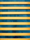 Linhas amarelas acima do azul fotografia de stock