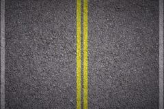 Linhas amarelas e brancas do asfalto - fotos de stock