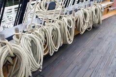 Linhas da corda do navio de navigação Imagens de Stock Royalty Free