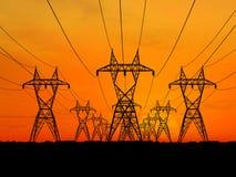 Linhas de alta tensão elétricas Fotos de Stock Royalty Free