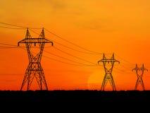 Linhas de alta tensão elétricas Imagem de Stock