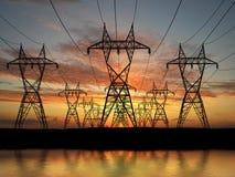 Linhas de alta tensão elétricas Fotografia de Stock Royalty Free