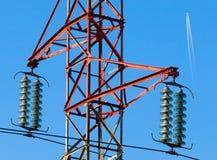 Linhas de alta tensão elétricas Fotografia de Stock