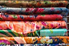 Linhas de costura da tela como um fim colorido do fundo acima Fotografia de Stock Royalty Free