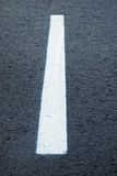 Linhas de divisão na estrada Fotos de Stock Royalty Free