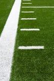 Linhas de jardas do campo de futebol americano Fotografia de Stock Royalty Free