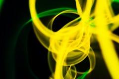 Linhas de néon amarelas e verdes abstração Luzes de néon ilustração stock