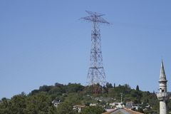 Linhas de transmissão da energia eléctrica imagem de stock