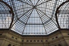 Linhas de um telhado de vidro Imagens de Stock Royalty Free