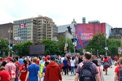 Linhas do controlo de segurança para o dia de Canadá em Ottawa Foto de Stock Royalty Free