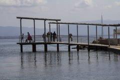 Linhas e reflexões no mar Fotos de Stock