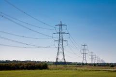 Linhas eléctricas à infinidade Foto de Stock Royalty Free