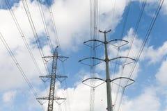 Linhas eléctricas de alta tensão Imagem de Stock Royalty Free