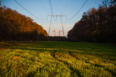 Linhas eléctricas de alta tensão Foto de Stock