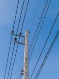 Linhas eléctricas e polos de poder Fotos de Stock Royalty Free
