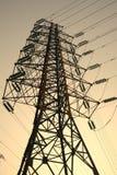 Linhas eléctricas na ascensão do sol fotos de stock royalty free