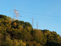 Linhas elétricas de alta tensão em Nova Inglaterra Imagem de Stock