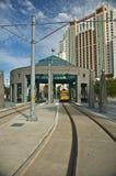 Linhas elétricas do centro do elétrico de Tampa no distrito histórico fotos de stock royalty free