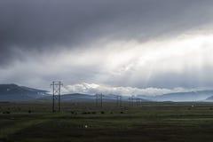 Linhas elétricas e nuvens Foto de Stock Royalty Free
