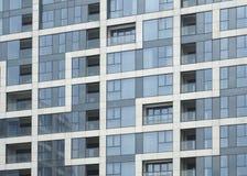 Linhas elegantes de edifícios residenciais Windows Foto de Stock Royalty Free