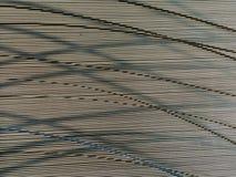 Linhas escuras finas e mais grossas horizontais, verticais, transversais da imagem abstrata Fotografia de Stock