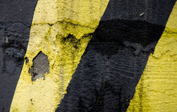 Linhas velhas amarelas e pretas da emergência Fotos de Stock