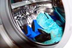 Linho na máquina de lavar Imagens de Stock Royalty Free