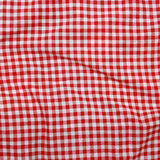 Linho vermelho toalha de mesa amarrotada. Fotografia de Stock Royalty Free