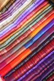 Linhos no mercado do ofício de Otavalo imagem de stock royalty free