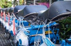 Linia becak for z błękitną kolor fotografią brać w Yogyakarta Indonesia Fotografia Royalty Free